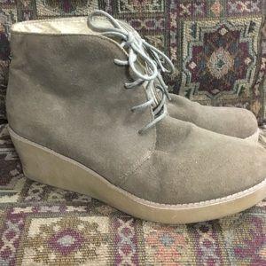 EDDIE BAUER suede/ leather platform ankle boots
